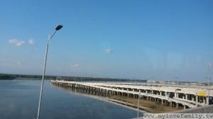 巴里島跨海高速公路