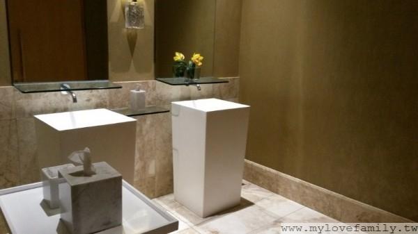 The Mulia 酒店廁所
