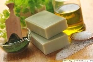 抹草綠藻皂