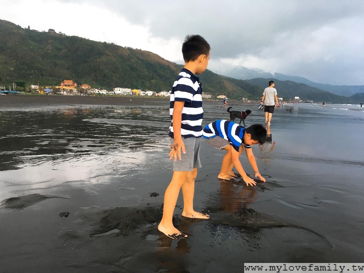 烏石港沙灘