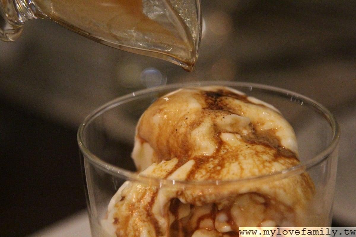 咖啡淹冰淇淋