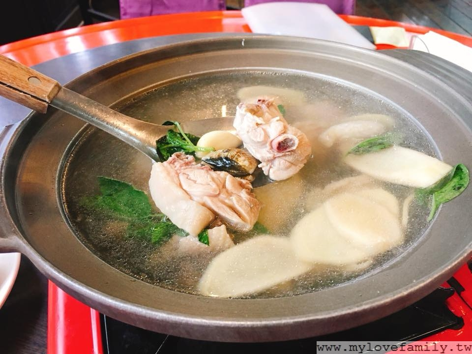 蒜頭蛤蜊雞鍋