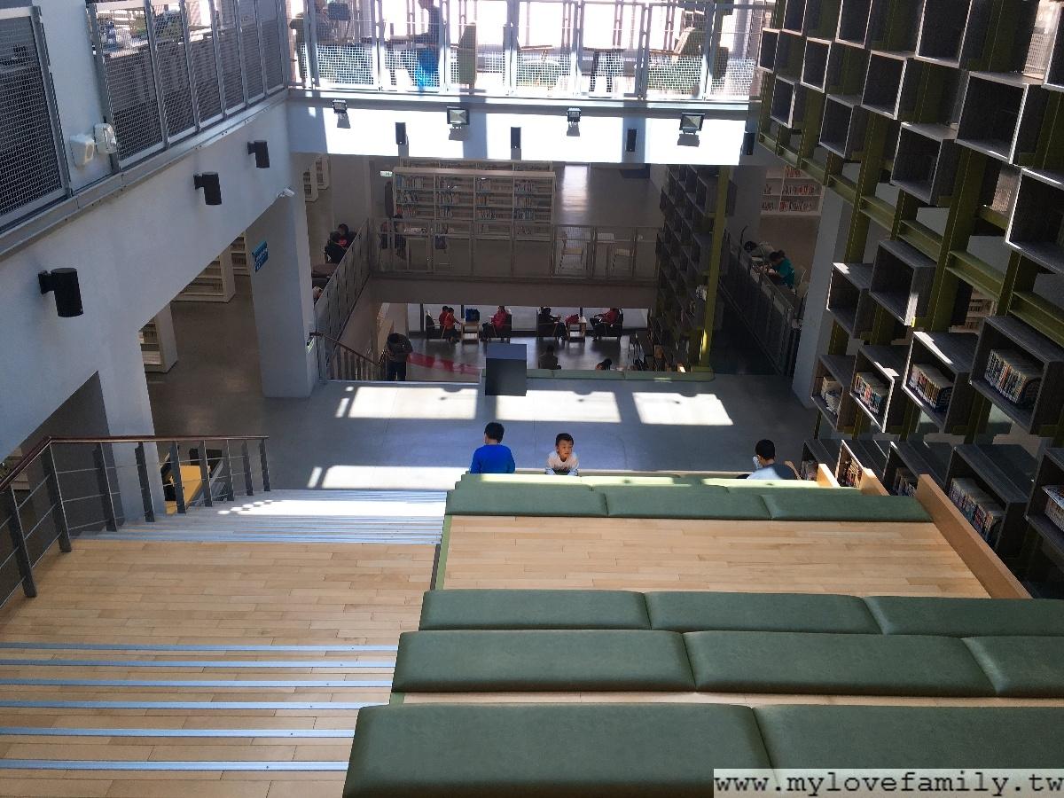 台南鹽埕圖書館