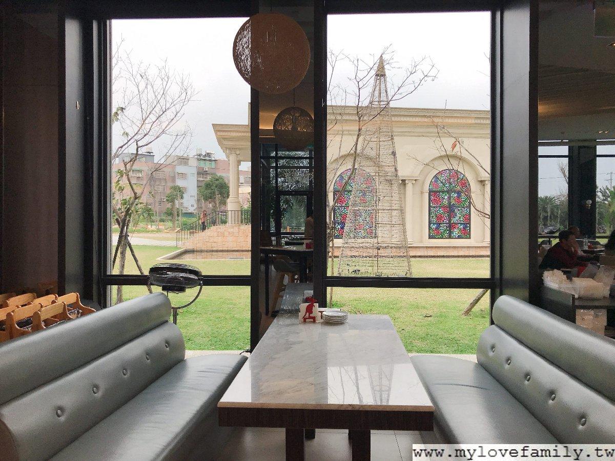 HoneyWood Cafe