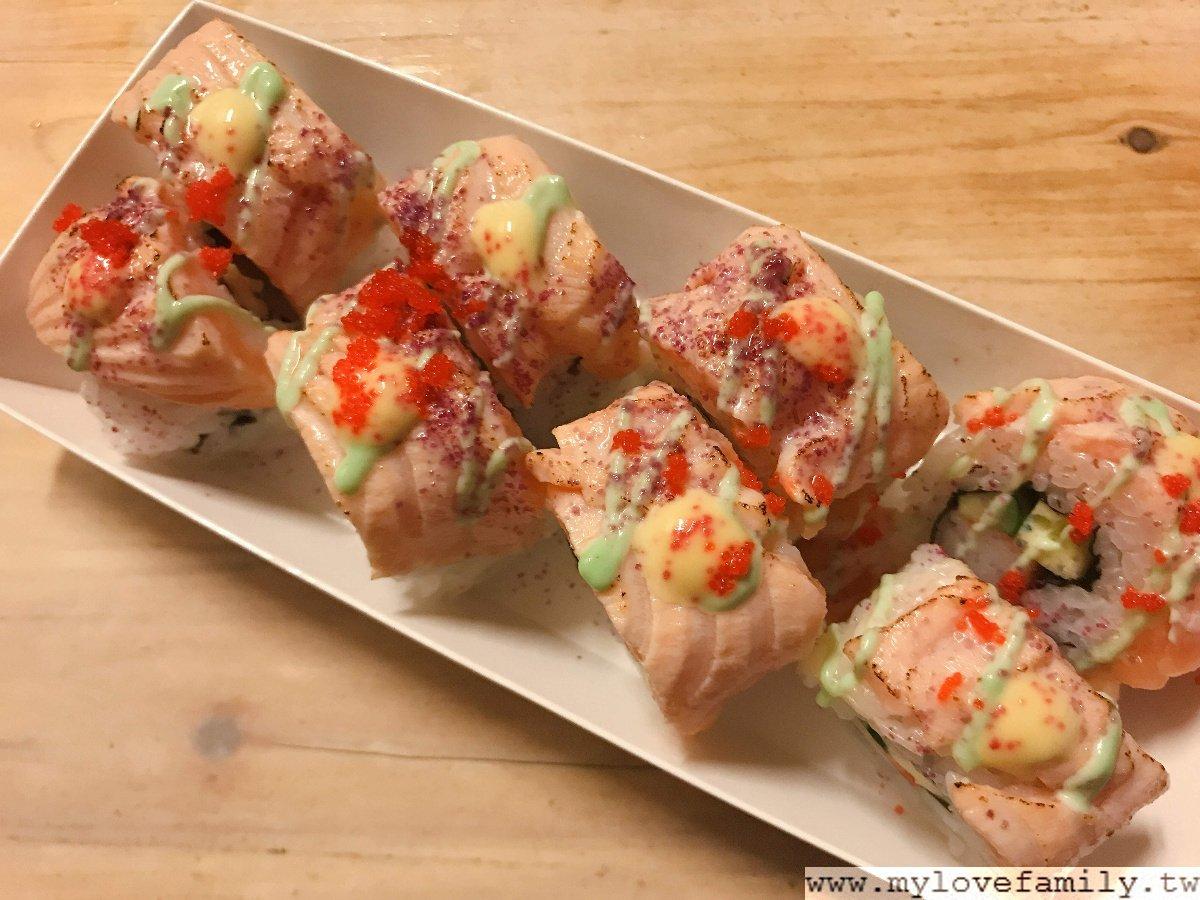 炙燒鮭魚卷壽司