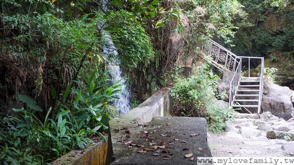 猴洞坑瀑布